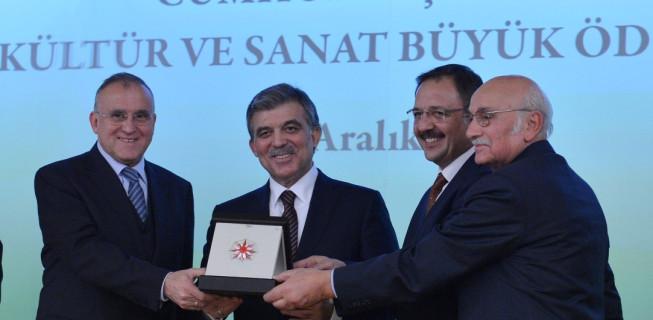 Cumhurbaşkanlığı Kültür Sanat Büyük Ödülü bugün düzenlenen törenle verildi